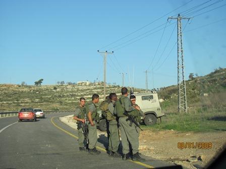 """דיון בועדת חוץ וביטחון על העומס במחסומים: """"בעיה קשה לתושבי יהודה ושומרון"""""""