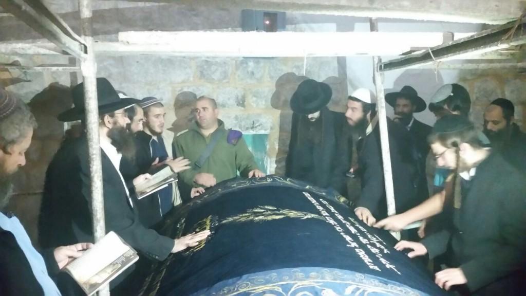 5 חסידי ברסלב שהתפלחו לקבר יוסף נעצרו עי המשטרה הפלסטינית