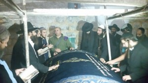 ביקור בקבר יוסף.רק באישור.צילום: באדיבות מועצה אזורית שומרון