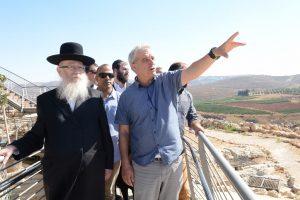 ליצמן ואבי רואה צילום שחר כהן