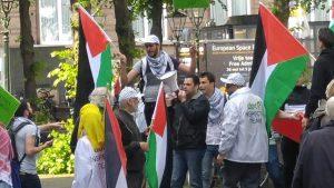 פלסטינאים בפעילות נגד ישראל צילום עמיעד טאוב