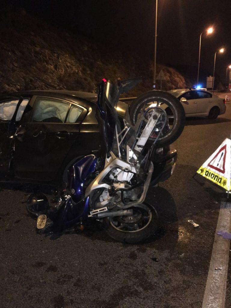 רוכב אופנוע נהרג בתאונה קשה על כביש 5