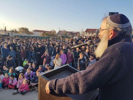 """הרב סתיו בעצרת בעפרה: """"המאבק אינו רק על ארץ ישראל אלא על הצדק בחברה הישראלית"""""""