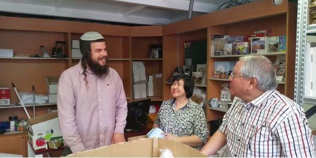 אלפי מוצרים מיהודה ושומרון נשלחו לתומכי ישראל ברחבי העולם.