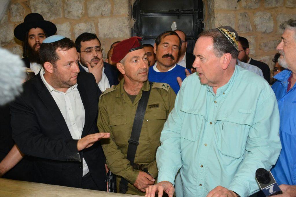 חברו של טראמפ ביקר בקבר יוסף