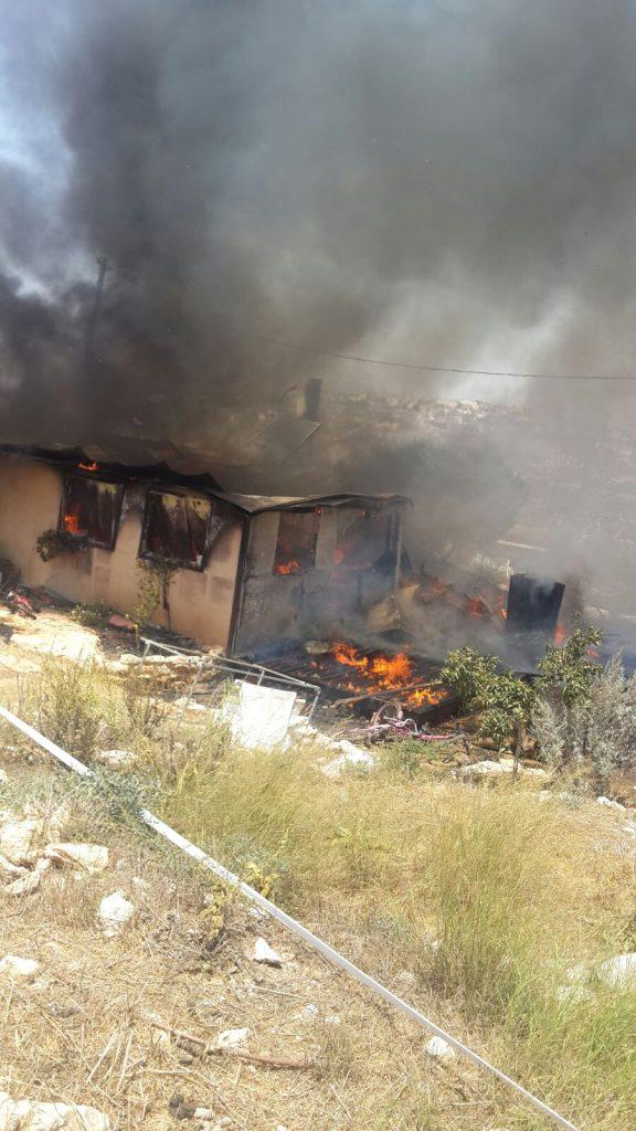 שריפה בישוב מבוא דותן שבצפון השומרון – בית נשרף כליל