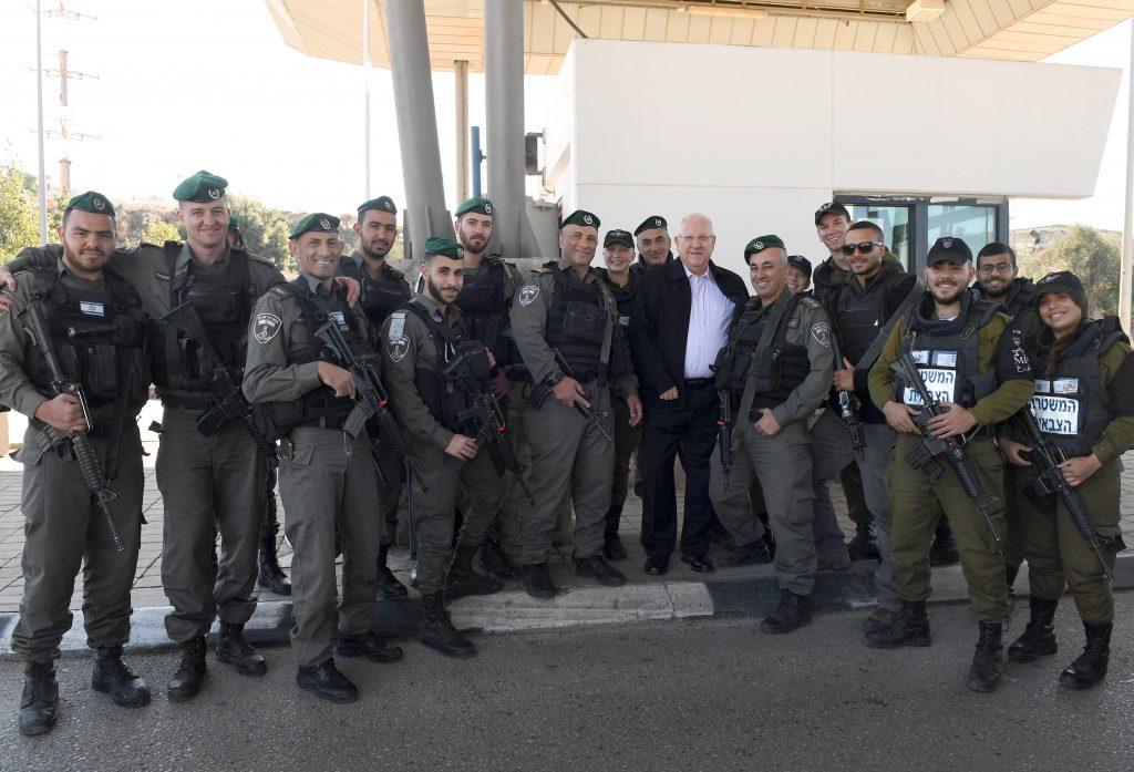 נשיא המדינה ביקר במחסום המנהרות בין ירושלים לגוש עציון