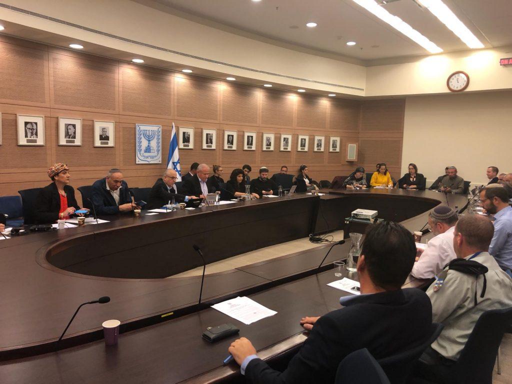"""נציגי מועצת יש""""ע בוועדת חוץ וביטחון: """"עצרו את הקיצוץ בתקציבי הביטחון ביהודה, שומרון ובקעת הירדן"""""""