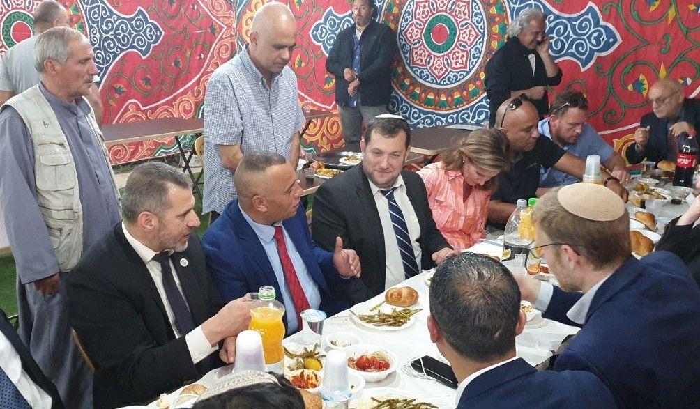 אורח הכבוד בסעודת האיפטר בחברון: ראש המועצה האזורית שומרון