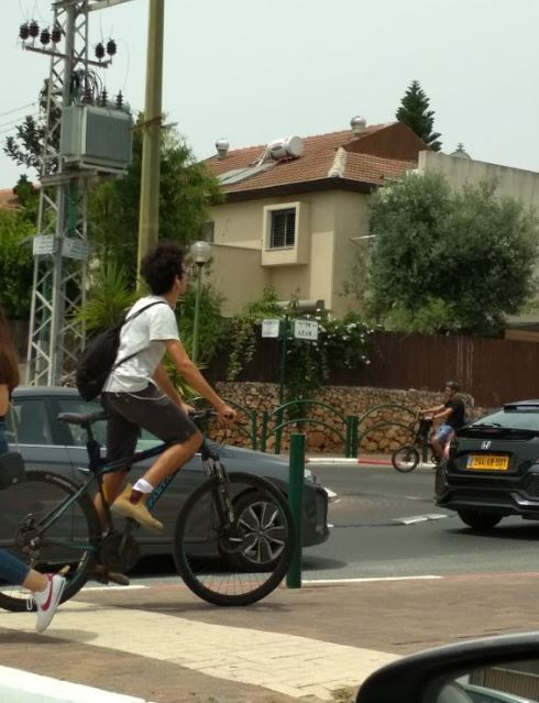 בדיקת אור ירוק בגוש עציון והשומרון: כמה רוכבים על אופניים בצורה מסוכנת?