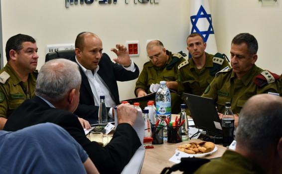 שר הביטחון, נפתלי בנט: להתחיל תכנון שכונה יהודית נוספת במתחם השוק הסיטונאי של העיר חברון