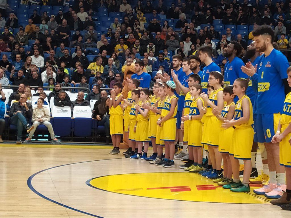 ממשיכים במסלול הניצחונות: מאות ילדי בנימין הגיעו למשחקה של מכבי תל אביב בכדורסל