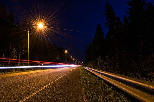 חג האורות: כביש אריאל-רחלים הואר בתאורה מלאה