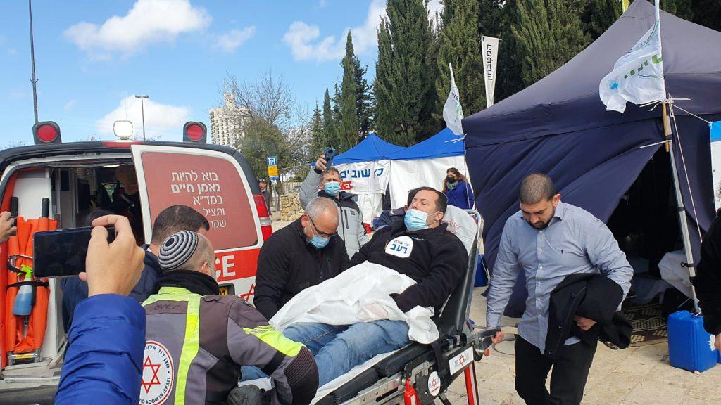 ראשוני: יוסי דגן התעלף באוהל מחאת היישובים הצעירים