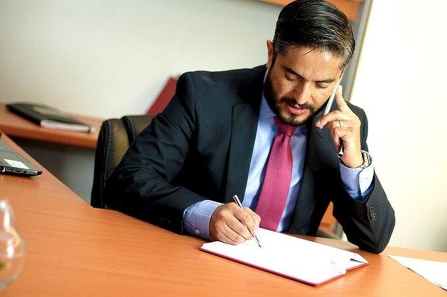 איך בוחרים עורך דין מומלץ