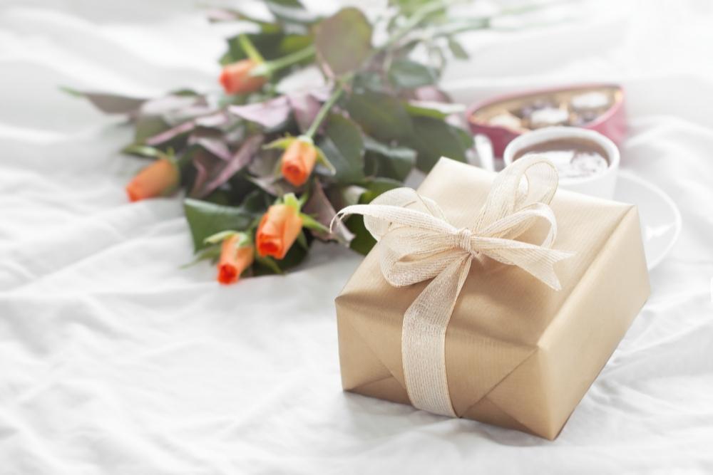 מה יכול להתאים בתור מתנות לבת זוג?
