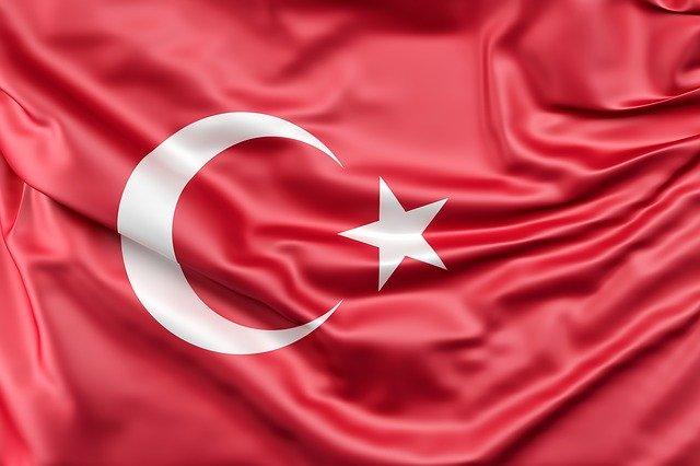 השתלות שיער לנשים בטורקיה: תוצאות של יופי טבעי בשילוב עם חופשה