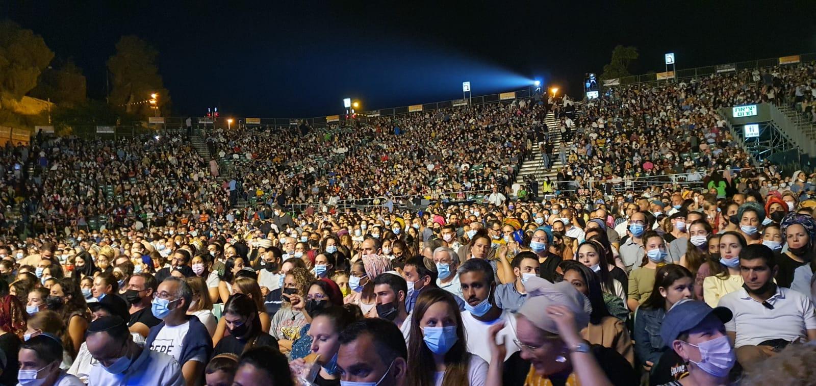 6,000 איש במופע הקיץ של בנימין