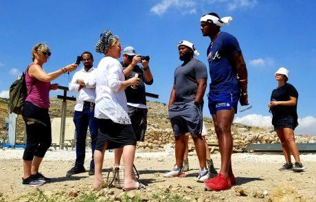 """כוכב ה-NFL האמריקאי, דישון ווטסון: """"התאהבתי בכם. בסיפור התנכ""""י שקיים כאן. ישראל מדינה נהדרת"""""""