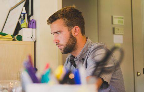 ציוד משרדי חובה בכל בית עסק